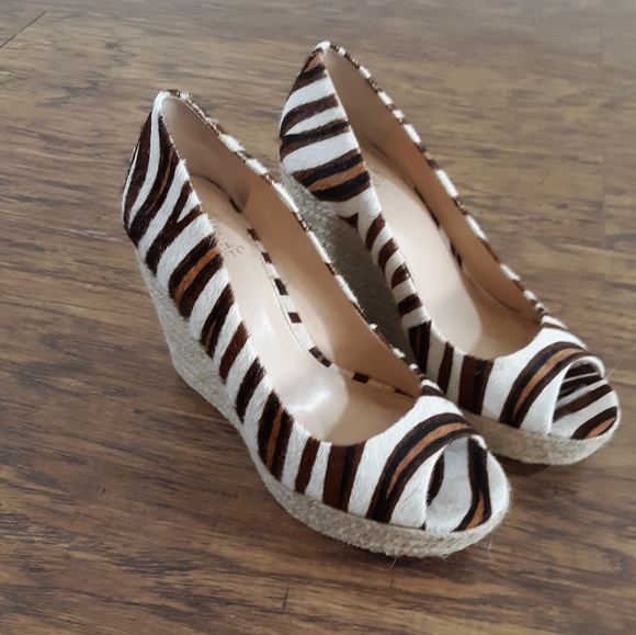 Vince Camuto Shoes - Vince Camuto Cowhide Animal Print Wedges 9